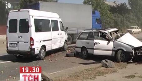 У Миколаєві в ДТП загинув молдаванин і поранені двоє білорусів
