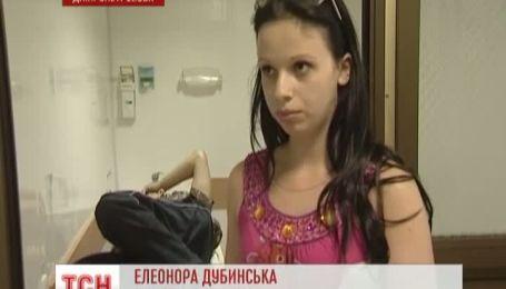 В Днепропетровске трехметровая ветка упала на старенького