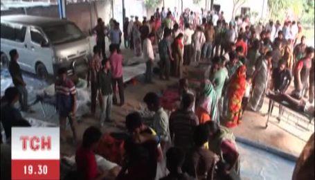 Число жертв разрушения многоэтажки в Бангладеше уже более 90