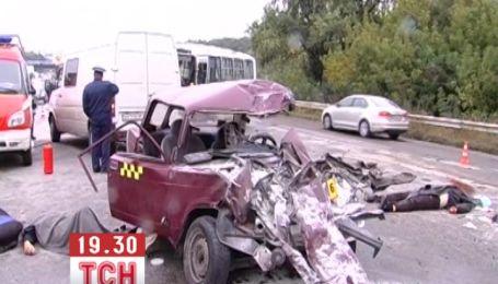 В смертельной аварии в Тернополе погибли два человека