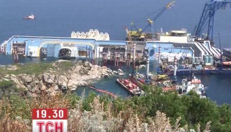 Инженеры начали подготовку к подъему круизного лайнера Costa Concordia
