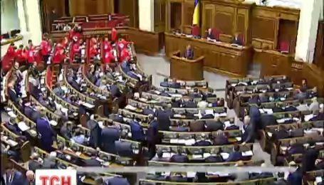 Янукович убедил однопартийцев в европейском курсе