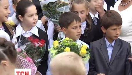 Торжественную линейку на праздник Первого звонка, школы проведут на свое усмотрение