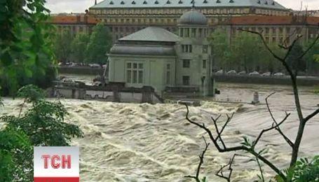 """""""Велика вода"""" залишає Прагу і прямує на північ Чехії"""