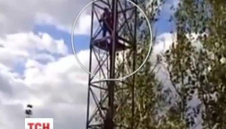 Під Чернівцями міліціонер врятував дівчину від самогубства