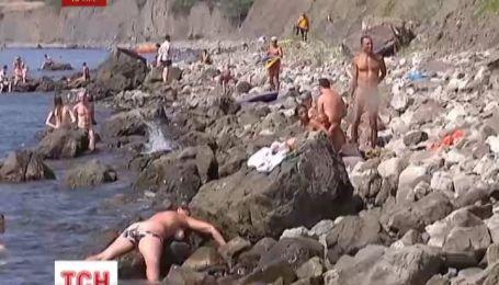 Нудисты оккупируют пляжи Черного моря