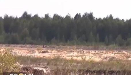 """Українські контрабандисти вивозять з країни тони """"сонячного каменю"""""""