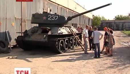 В Луганске решили починить боевой танк Т-34