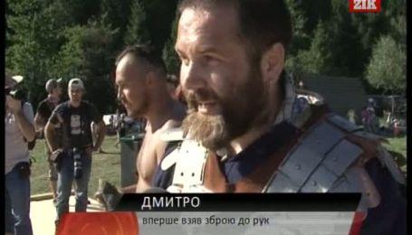 На фестивалі в Тустані лицарі билися та штурмували фортецю