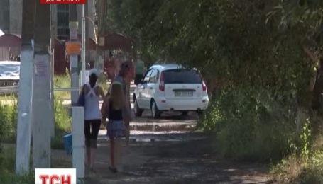 На Донеччині затримали молодиків, які лише за одну ніч пограбували 9 кімнат