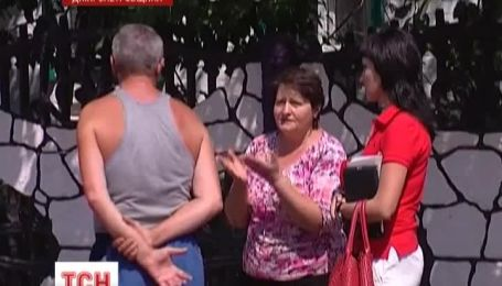 На Днепропетровщине дедушку с ребенком спасли из колодца