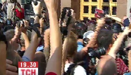 З'явилось відео штурму Київради