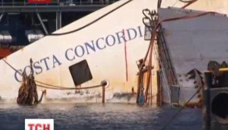 Трагический лайнер Коста Конкордия достают из-под воды