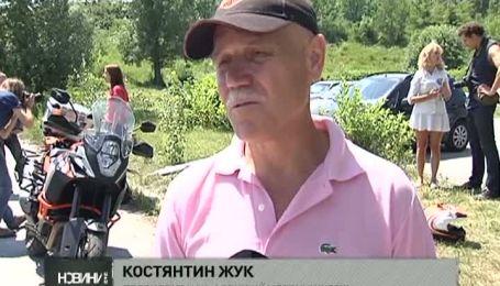 Українка вирушає у подорож навколо земної кулі на байку