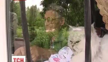 На Донеччині 80-річну бабуся замуровали у квартирі