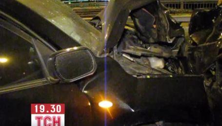 З'явилося відео аварії на мосту Патона, в які зіштовхнулось 7 авто