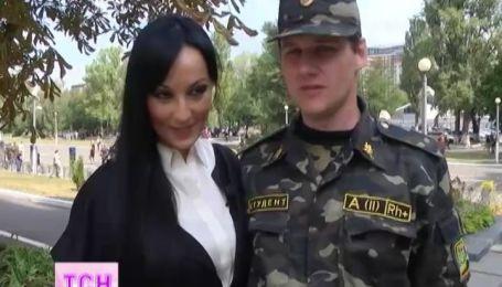 Натали Ворона любит младшего лейтенанта