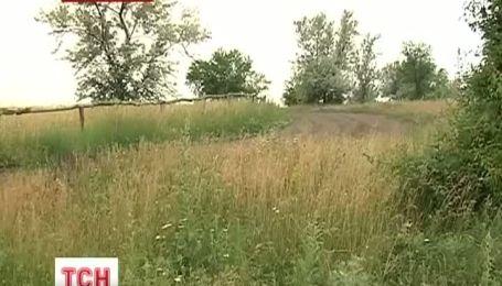 Николаевские зоозащитники нашли в лесу медведей, которые содержались в ужасных условиях