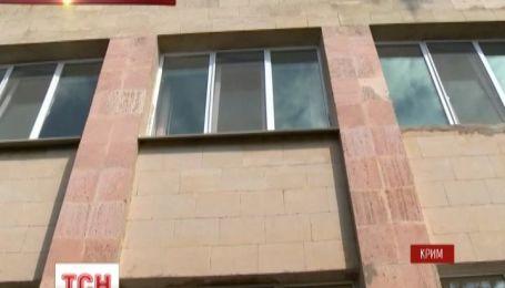 В Криму 14-річний школяр випав з вікна