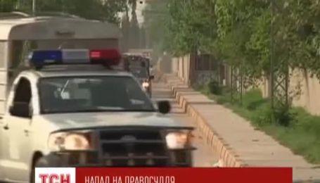 В Пакистане Талибы убили следователей