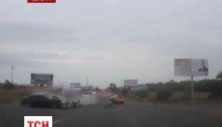 Масштабна аварія під Одесою: одразу зіштовхнулися чотири автомобілі