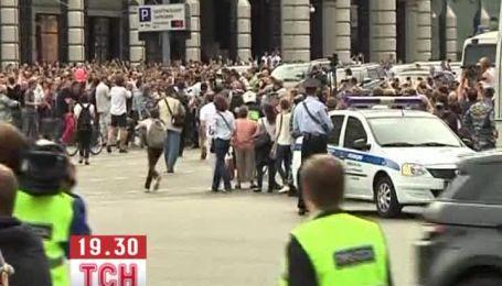 Ради свободы Навального на улицы Москвы вышли тысячи людей