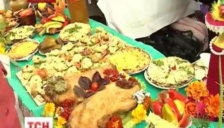 В Коростене устроили международный фестиваль дерунов