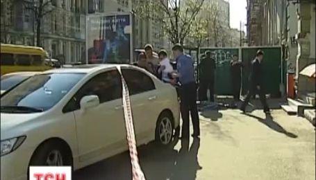 В столичной клинике, возле которой вчера умер мужчина, накажут работников за промедление