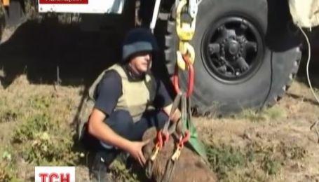 На Рівненщині у лісі місцеві жителі знайшли три авіабомби часів війни