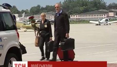 Британський принц на ретро-літаку летить в Жуляни