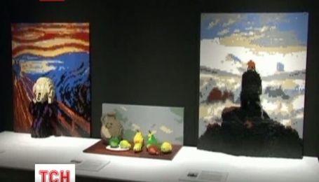 В центре Нью-Йорка открылась выставка лего-скульптур