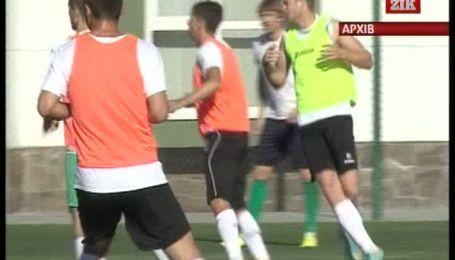 """Футбольний клуб """"Карпати"""" залишило ще двоє гравців"""