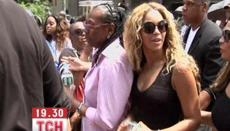 Бейонсе і Jay-Z вийшли на протест проти виправдання вбивці підлітка в США