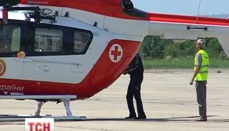 В Івано-Франківську хвору дівчину відправили до столиці гелікоптером