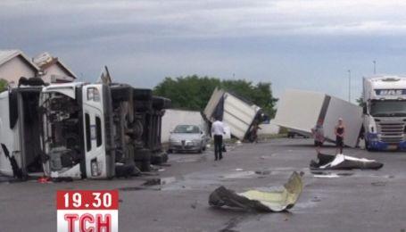 Мощный торнадо разрушил городок в пригороде Милана