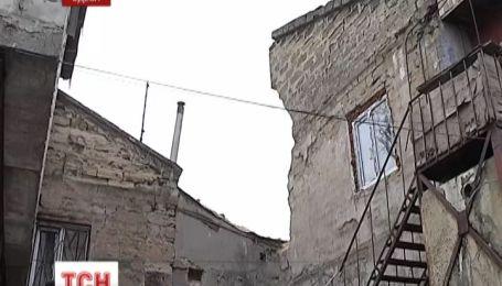 Одеські рятувальники закінчили роботи на місці обвалу будинку