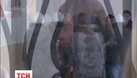 На Тернопільщині дівчину-аутиста довели майже до самогубства