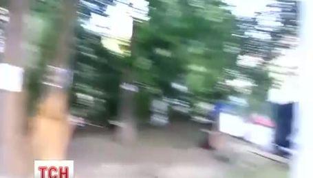 В Киеве жители пытаются защитить сквер
