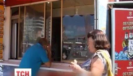 В Луганську не пройшли перевірки кіоски з шаурмою і хот-догами
