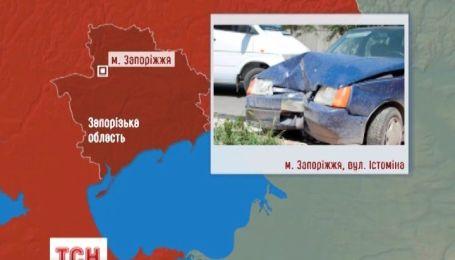 У Запоріжжі у аварії троє людей загинули і двоє дітей у лікарні