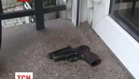 В центре Севастополя убили охранника магазина