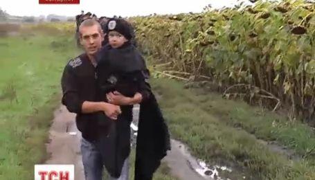 Корреспонденты ТСН приняли участие в поисках пропавшего ребенка