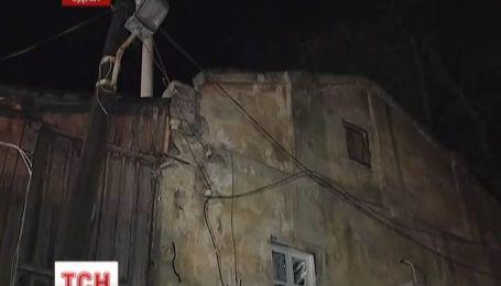 В Одессе после дождя рухнул жилой дом
