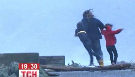 На Новую Зеландию обрушился разрушительный снежный шторм с мощным ветром