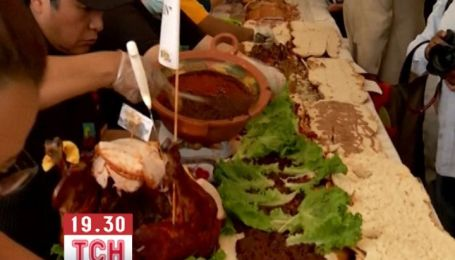 Мексиканцы создали 58-метровый сэндвич весом 750 кг