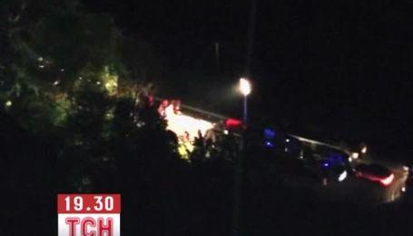 В Италии автобус с паломниками упал в пропасть