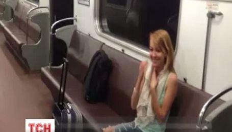 Пассажиры питерского метро прокатились с ветерком из-за открытых дверей