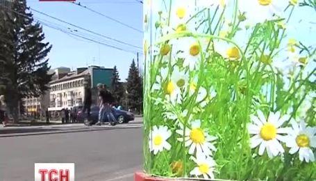 У Вінниці разом з садами розцвіли смітники
