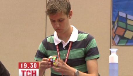 Чемпиону понадобилось 7 секун, чтобы сложить кубик Рубик