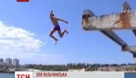 В Крыму люди калечатся, ныряя в воду